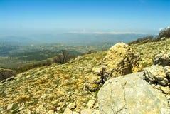 Vista dalla cresta delle montagne della riserva di biosfera di Shouf, Libano della sommità immagine stock