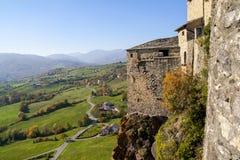 Vista dalla finestra del castello fotografia stock