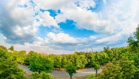 Vista dalla finestra sulla pianta Arcelormittal Kryvyi Rih, Ucraina fotografia stock