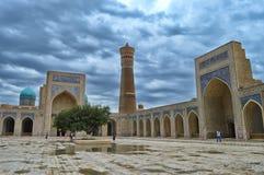 Vista dalla grande moschea a Buchara fotografia stock