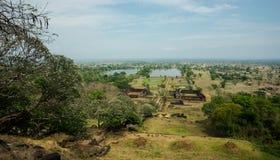 Vista dalla montagna al tempio di Phu del tino Fotografia Stock Libera da Diritti