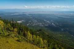 Vista dalla montagna al villaggio Arshan Fotografia Stock Libera da Diritti