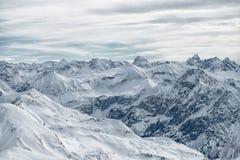 Vista dalla montagna di Nebelhorn, alpi bavaresi, Oberstdorf, GER Fotografia Stock