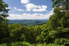 Vista dalla montagna di Shenandoah, la Virginia, U.S.A. Immagini Stock Libere da Diritti