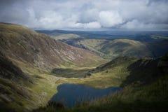 Vista dalla montagna e dai laghi di Cadair Idris in Snowdonia, Galles, Regno Unito Fotografia Stock