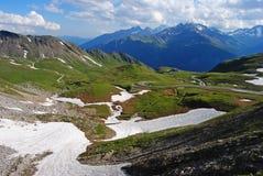 Vista dalla montagna 2504m di Hochtor nelle alpi austriache Immagini Stock Libere da Diritti