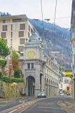 Vista dalla strada al centro urbano di Montreux nell'inverno Immagine Stock Libera da Diritti