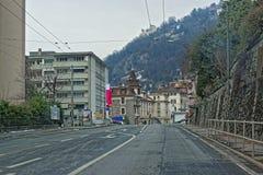 Vista dalla strada alla città di Montreux in Svizzera Fotografia Stock