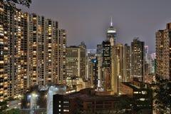 Vista dalla strada di Stubbs ai grattacieli Fotografie Stock