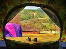 Vista dalla tenda, accampantesi Fotografia Stock Libera da Diritti