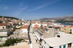Vista dalla torretta di Bell, centro edificato di Argostoli, Kefalonia, settembre Immagine Stock