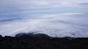 Vista dalla traccia di trekking della montagna di Fuji immagini stock