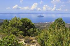 Vista dalle montagne alla costa del mar Egeo Immagini Stock Libere da Diritti