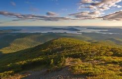 Vista dalle montagne di Sikhote-Alin alla costa Immagini Stock Libere da Diritti