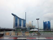 Vista das construções modernas, Marina Bay Sands Imagens de Stock Royalty Free