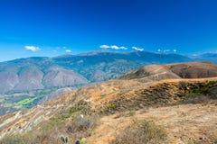 Vista das montanhas de Andes foto de stock