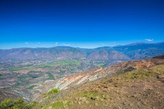Vista das montanhas de Andes imagens de stock