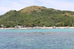 Vista das montanhas e do oceano de turquesa em Isla Gigantes imagem de stock