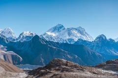 Vista das montanhas Himalaias foto de stock royalty free
