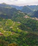 Vista das montanhas na rota Vereda a Dinamarca Penha de Aguia, ilha de Madeira, Portugal, Europa Foto de Stock