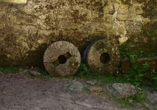 Vista das pedras de moer velhas Foto de Stock Royalty Free