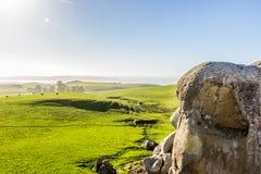 Vista das rochas do elefante na luz solar brilhante fotografia de stock