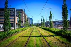 Vista das trilhas do bonde em Oslo imagem de stock