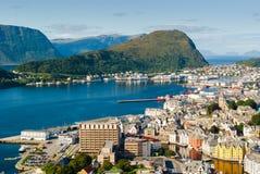 Vista de Alesund e do mar norueguês noruega Imagens de Stock