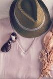 Vista de arriba de accesorios de vestir para mujer Fotografía de archivo libre de regalías