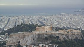 Vista de Atenas y de la acrópolis del monte Licabeto, Grecia almacen de video