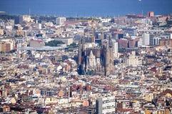 Vista de Barcelona da montanha de Tibidabo foto de stock
