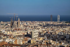 Vista de Barcelona e de Sagrada Familia fotos de stock royalty free