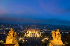 Vista de Barcelona, Spain Plaza de Espana na noite com twilig fotografia de stock royalty free