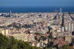 Vista de Barcelona y de Sagrada Familia Imágenes de archivo libres de regalías