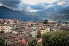 Vista de Barga céntrico, Italia Fotografía de archivo