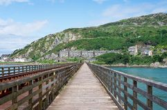 Vista de Barmouth da ponte de Barmouth fotos de stock