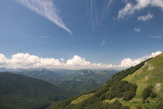 Vista de Bendovac a Bjelasica e a Sinjajevina Imagens de Stock