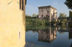 Vista de Borghetto, sul Mincio de Valeggio, Verona, Itália Imagens de Stock Royalty Free