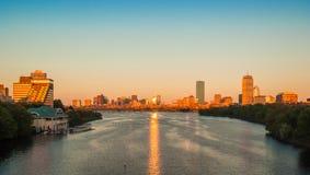 Vista de Boston, de Cambridge, y del río Charles Foto de archivo