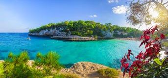 Vista de Cala Llombards, ilha de Mallorca, Espanha imagem de stock