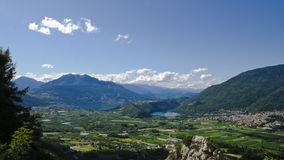 Vista de Caldonazzo e de lagos Levico Imagens de Stock
