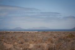 Vista de Canarias de Lanzarote de la playa de Famara Fotografía de archivo libre de regalías