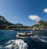 Vista de Capri del mar foto de archivo