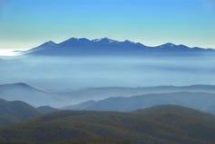 Vista de chaîne de montagne photographie stock