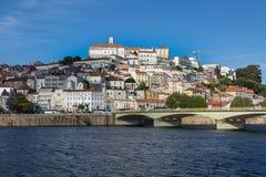 Vista de Coímbra, ciudad vieja en Portugal Imagen de archivo libre de regalías