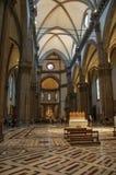 Vista de columnas y de la bóveda dentro de Santa Maria del Fiore Cathedral en Florencia Fotos de archivo libres de regalías
