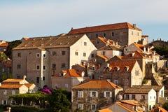 Vista de Dubrovnik de las paredes de la ciudad Fotos de archivo