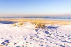 Vista de dunas en invierno Imagen de archivo