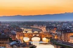 Vista de Florencia en la puesta del sol imagen de archivo libre de regalías