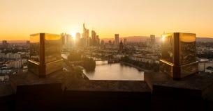 Vista de Francfort en la puesta del sol Fotografía de archivo